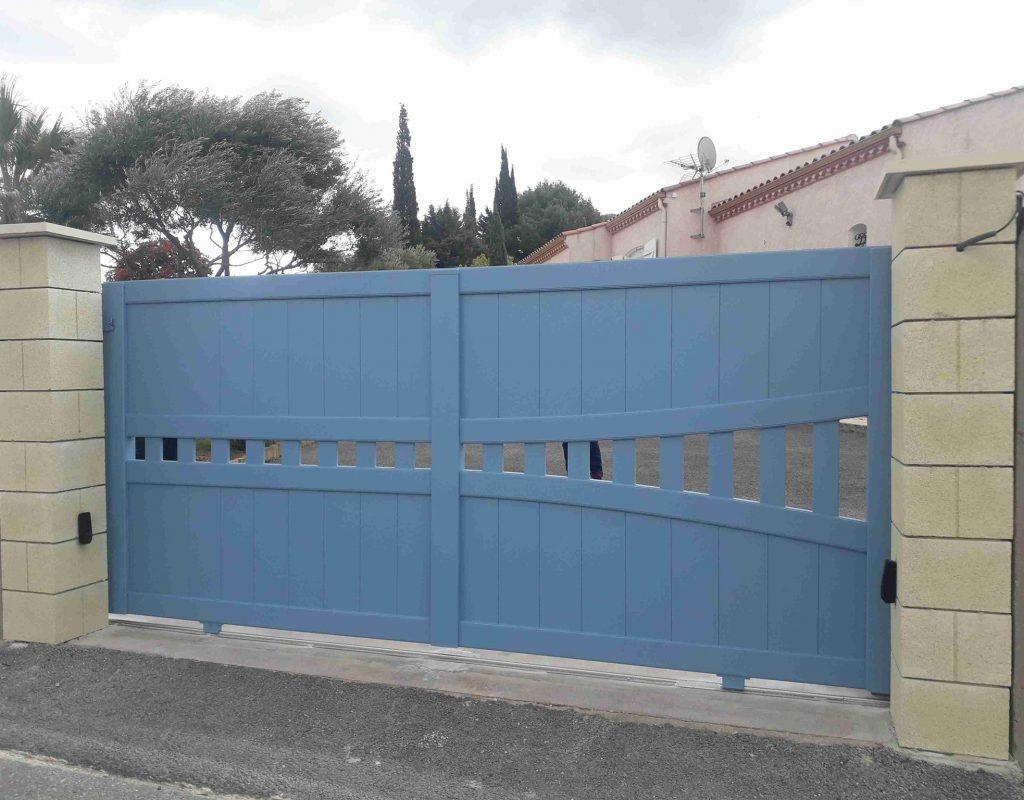 portail coulissant ksm suet bleu pastel par DOMALU à Narbonne